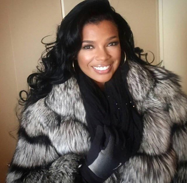 @Makeupbymerrell took the brushes to R&B Diva @Syleena_Johnson this morning in #NYC #AllstarWeekend http://t.co/MVamqIp3WW