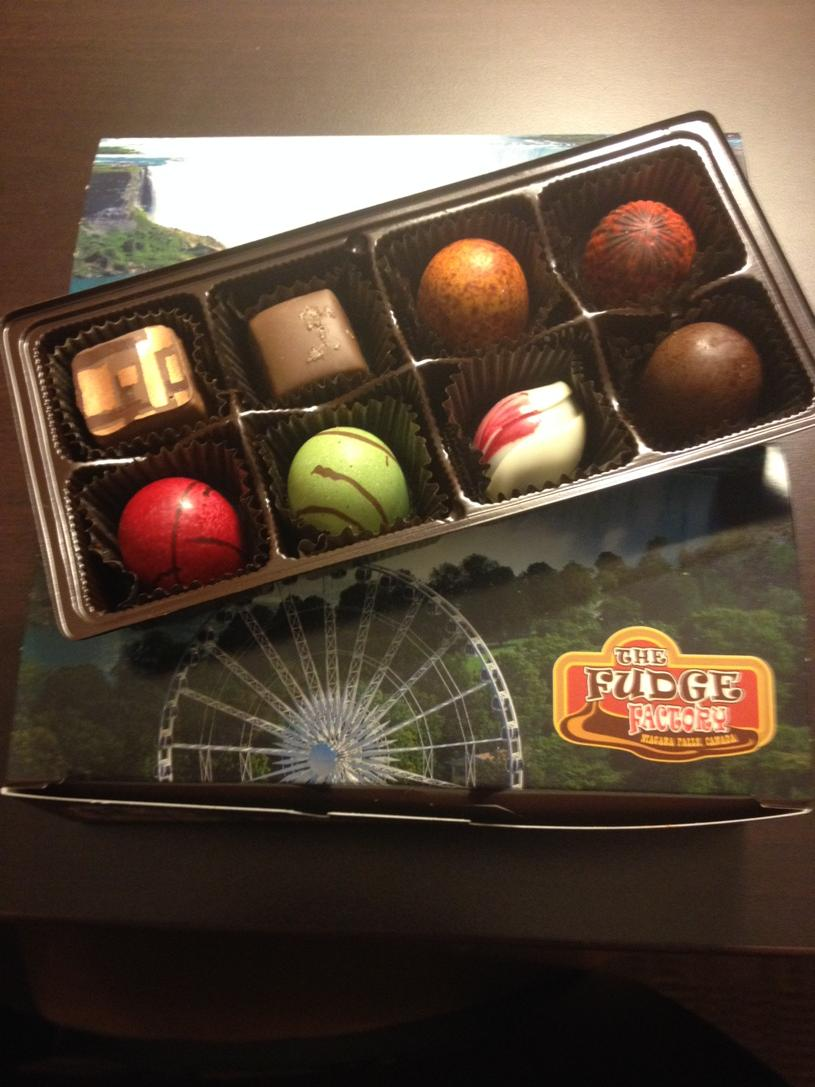 RT @lifeNeverything: Yummy Truffles! #thefudgefactory @cliftonhillfun http://t.co/Ac3p84fh4f