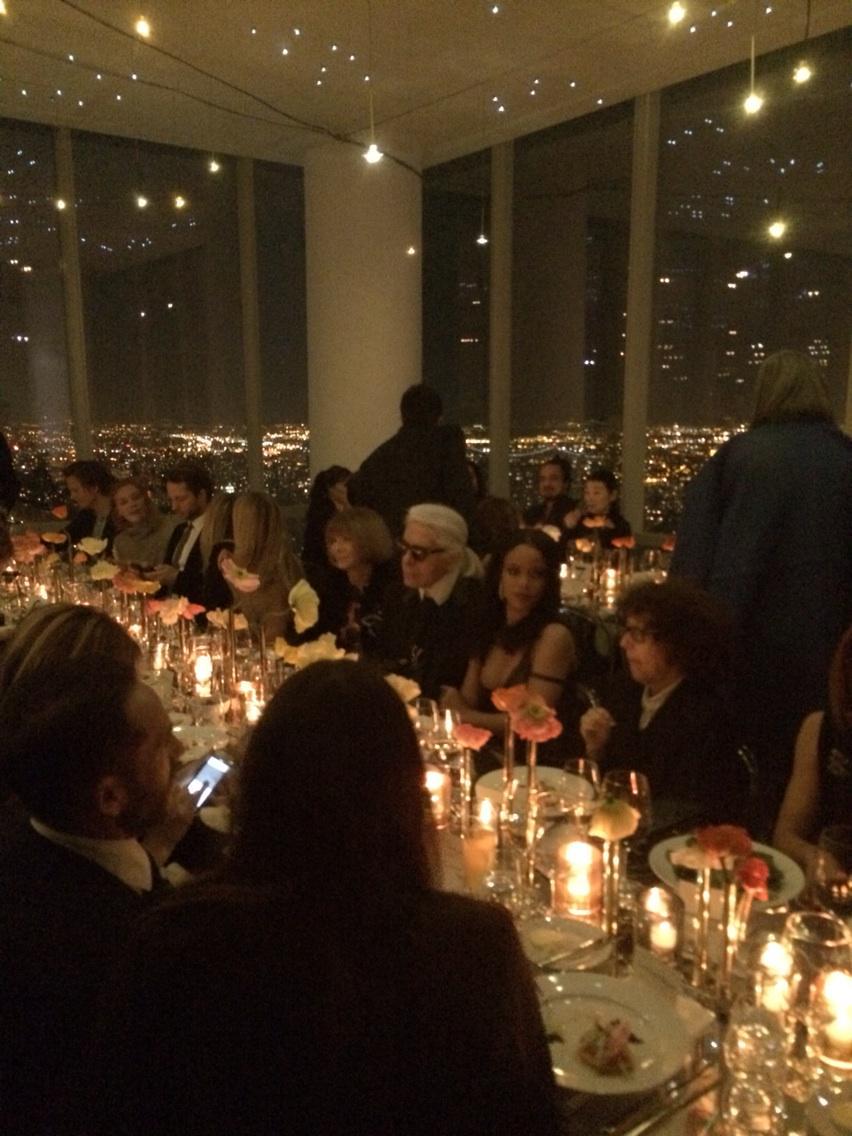Anna, Rihanna and Karl at the Fendi dinner http://t.co/NqTVsjMmL5