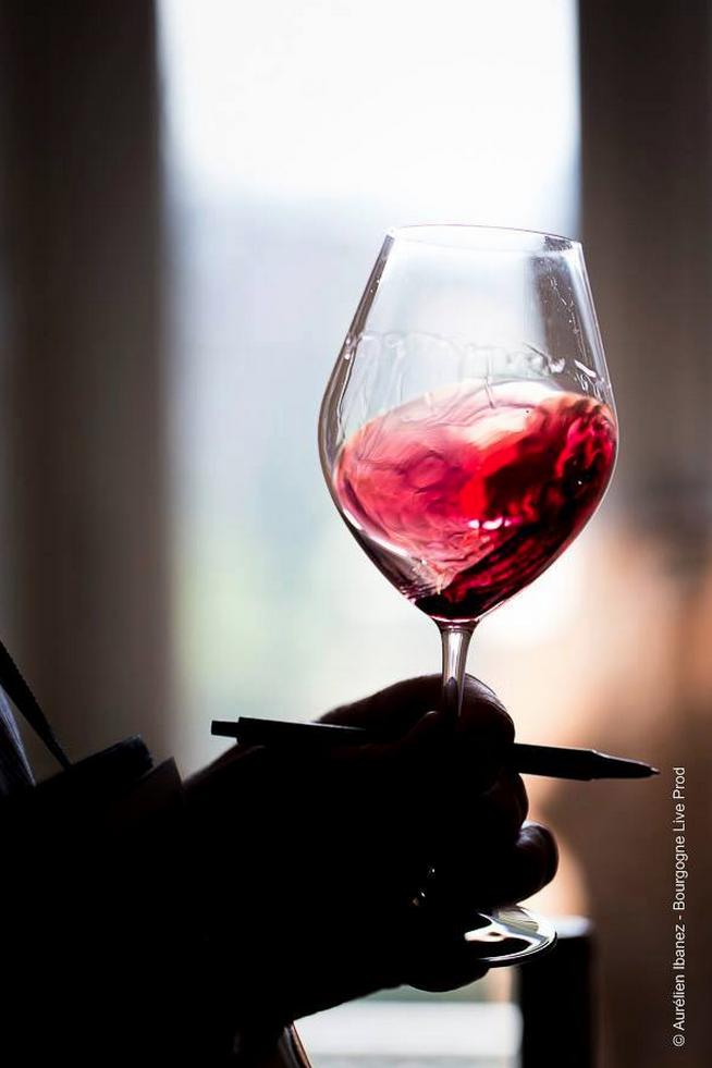 «On distingue dans l'eau son propre visage mais ds le vin on aperçoit le cœur d'un autre»  Photo @aurel_ib @BLProds http://t.co/FfaqFuNkH4