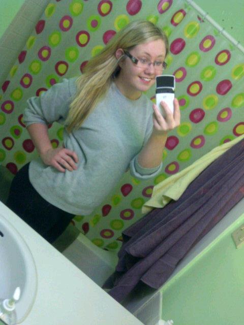 $4 sweater http://t.co/rI2IlYY0
