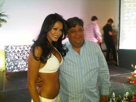 '@Fermionico: Mi hermano junto con @Norkys_Batista !...tremenda en su obra #Orgasmos #Recomendada ! http://t.co/8yLK2Vr8'q bello gracias!!