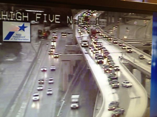Alexis Smith (@AlexisASmith): Drivers sliding down the High Five. Avoid bridges & overpasses! http://t.co/OybfZR1K
