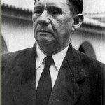 #01Octubre (1946): El Dr. Jesús Enrique Lossada inaugura la Biblioteca de LUZ. http://t.co/ep03YVCs