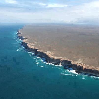 Dünya'nın Bittiği Yer! Nullarbor Uçurumları, Avustralya http://t.co/H4JStm2i