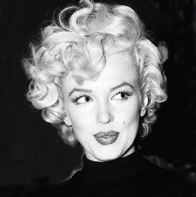 """I call the color of my hair - Pillow Case White."" - Marilyn Monroe http://t.co/aUQebXAh"