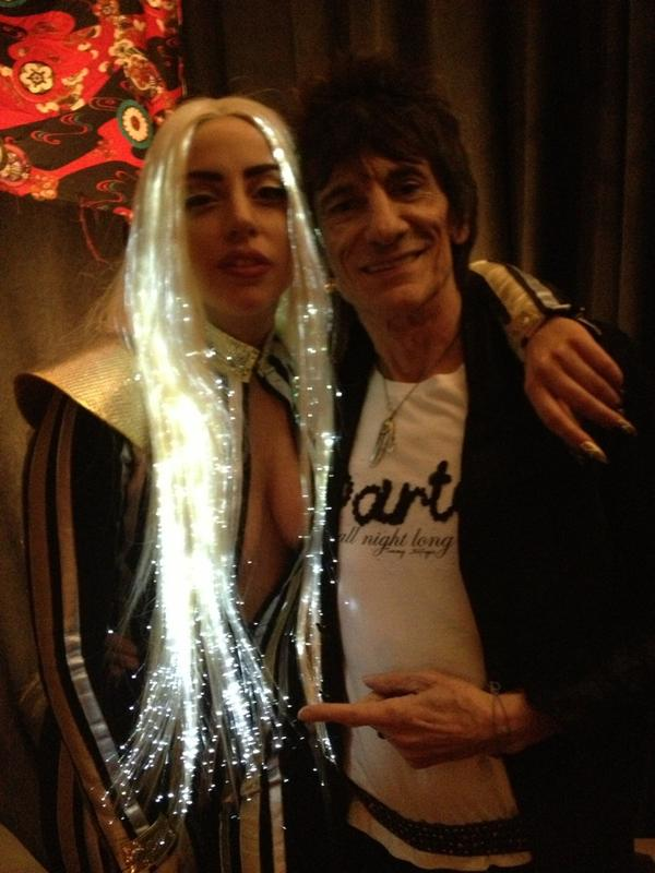 Glowing hair is so stunning!♥ RT @RonaldDavidWood: Just found this photo of me with @ladygaga #backstage #newjersey http://t.co/iKP7sE8v