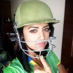 RT @vishy1986: #CCL3 #keralastrikers #Kerala @mamtamohan just before d match;) Ur nails look awesome.. Haha http://t.co/duIDiGNZ