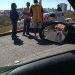 Amigo taxista se le olvido que no se rebasa por el camellón!! #fail http://t.co/hP4FdsfP