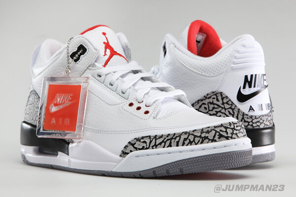In '88, MJ took flight in the AJ III & dunked from the FT line. 25 years later (on Wed) the AJ 3 Retro '88 returns. http://t.co/523iTgf4