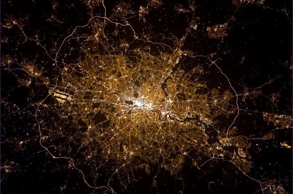 Susie Fowler-Watt (@susiefowlerwatt): London from space: