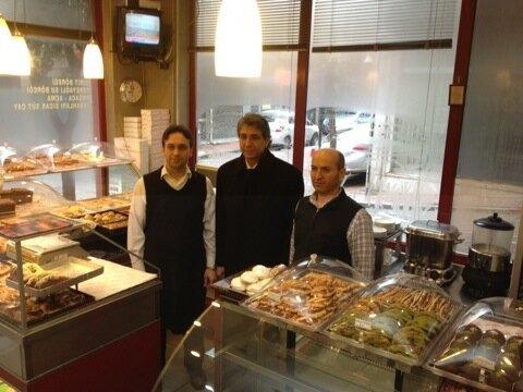 Poğaçalar, börekler nefis. Balat köşem pastanesi. http://t.co/ZlGs3VkK