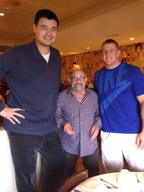 Robert Bobroczky el basquetbolista de 2,31 metros.  - Página 2 BC_mz_vCYAEZRHB