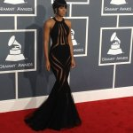 @KELLYROWLAND looks UNBELIEVABLE!! RT @thatRNchick: ?That dress on Kelly! LAWD! #GRAMMYs