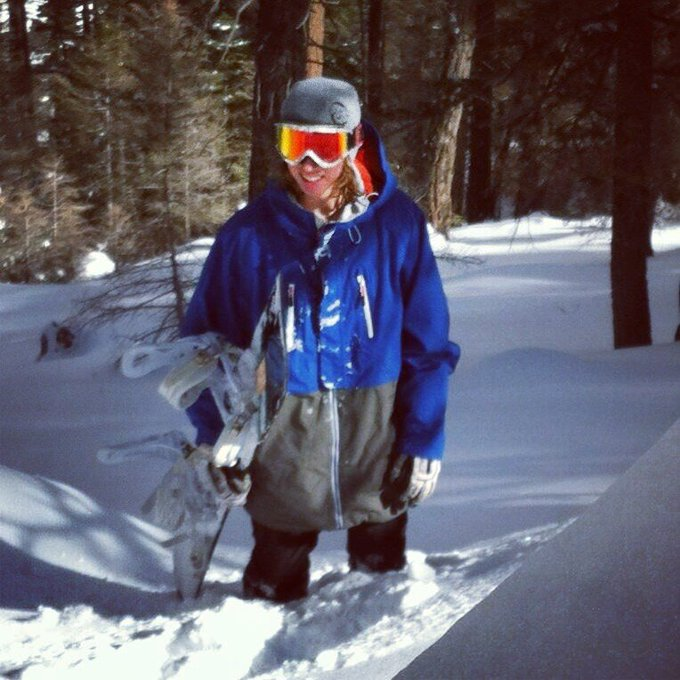 "Just knee deep in some powder today <a class=""linkify"" href=""http://t.co/a9fmcSak"" rel=""nofollow"" target=""_blank"">http://t.co/a9fmcSak</a>"