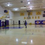 .@DwightHoward finishing up practice with some FT shooting. LAL take on LAC tomorrow at 7:30pm PT. #GoLakers