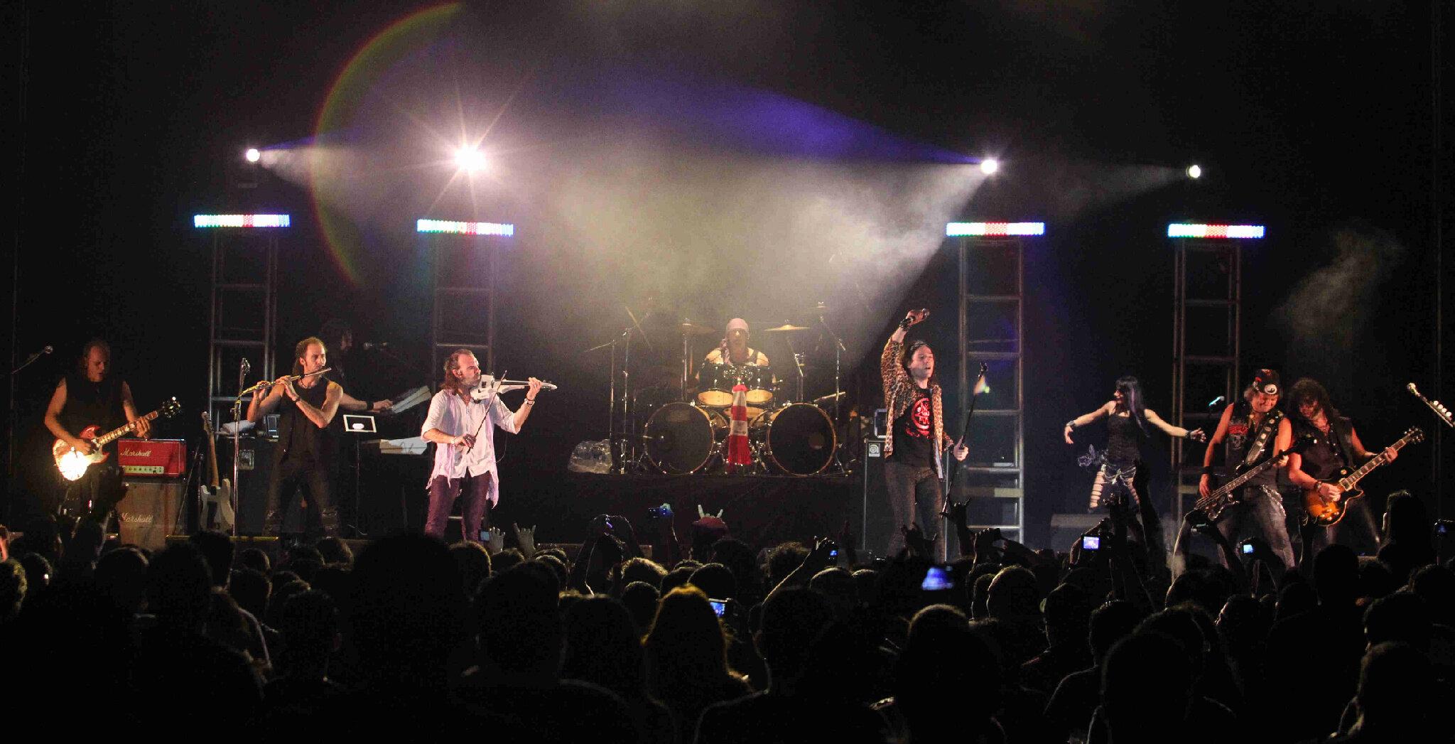 Banda española 'Mago de Oz' se presentó anoche en CIFCO http://t.co/ObfjeDEr foto F. Alemán