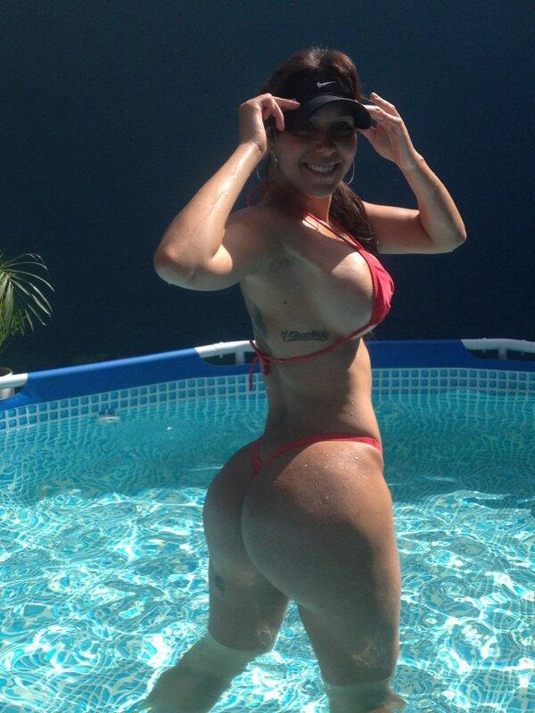 carolina petkoff (@FansCaroPetkoff): @Manuelrottweila @coscuelprincipe desde Venezuela http://t.co/uJfRzhZL
