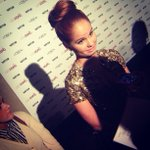 RT @fashionindie: @thedebbyryan has the perfect top knot. So jeal. #vf13loreal @vfagenda http://t.co/QFtOIWHG