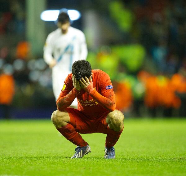 BDqXJzdCUAAFgjT Did Luis Suarez deliberately stamp on Tomas Hubocan? (Liverpool 3   Zenit 1)