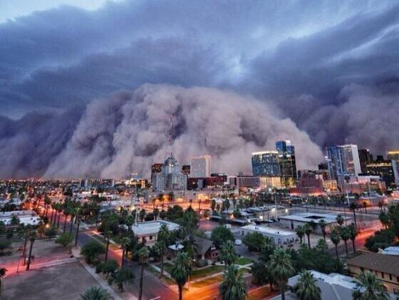 La mayor tormenta de arena vista nunca en Phoenix, Arizona, 5 Julio de 2011. http://t.co/DvWZTwM0xt