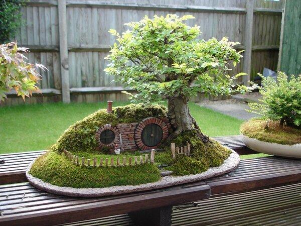 Genial: bonsai inspirado en El Señor de Los Anillos http://t.co/jfh6d8wDcR