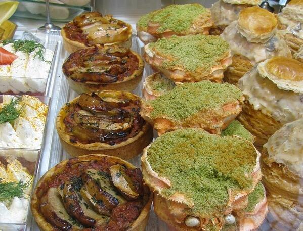 #parisians tend to overdo their seafood, fill it etc. But I like these stuffed #crabs! #marche #aligre #paris #parijs http://t.co/hbYltIbuTl