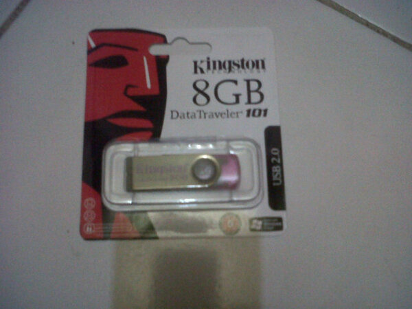 Flashdisk kingstone 4gb 45rb dan 8gb 55rb ayo cepat!!!http://t.co/6IeAUs8cdg