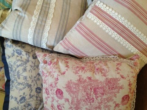 RT @Drewtons: And more cushions ... Handmade locally by @SimplyCushions http://t.co/FFlGXB1bFz