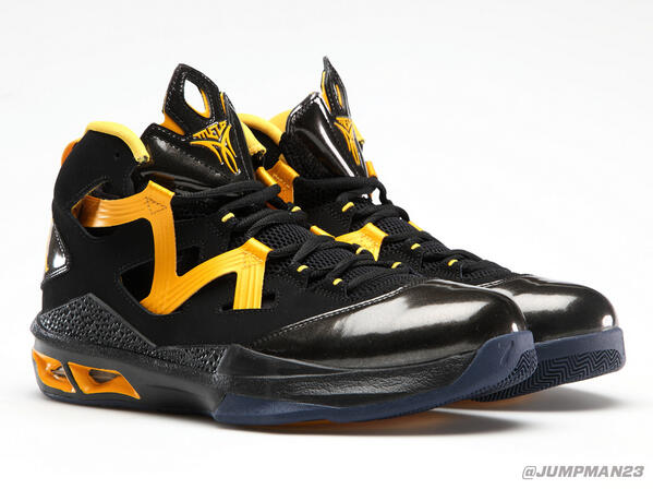 When #TeamJordan's @CalMensBBall  takes the floor, look for this custom M9 colorway on court. #BerkeleyRepresent. http://t.co/c7dqchpHg1