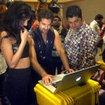 RT @MediaRaindrop: @sonalchauhan7, @NeilNMukesh and @DabbooRatnani during the photo-shoot promoting 3G. @3GMovie http://t.co/Wql9Ib9TdP