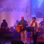 And the @Bawraas musicians take the stage. Shantanu Moitra & maverick genius @swanandkirkire