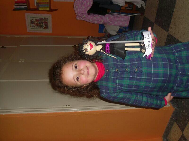 @185RosaLopez Buenos dias Rosita... mira la kara ke tiene mi niña kon tu muñeca.... espero ke te alla gustao.... http://t.co/5naRcRgsyc