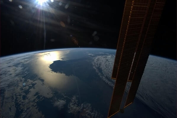 Sun getting ready to set into the horizon of Southwestern Australia. http://t.co/bBaS59jGxU
