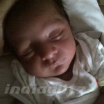 Cute Baby of Actress #ReemaSen http://t.co/lCbTsycAm7