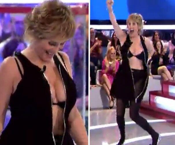 Mercedes Mila protagonizo anoche un streptease en directo en la gala de #GH14 http://t.co/PLe3wbRKIR