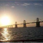 RT @EsMaracaibo: ♪Yo soy muy feliz, porque yo nací / En mi Maracaibo la tierra amada del sol♪ http://t.co/GAxk11H3lT