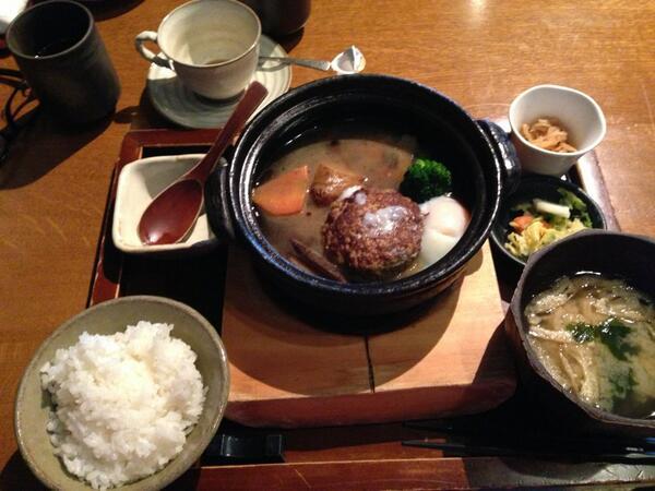(via:y_fukasawa) 今日は朝から秋葉VMD公開セミナーでした。終わっていつもの響です。 http://t.co/W3M4mbgLBT