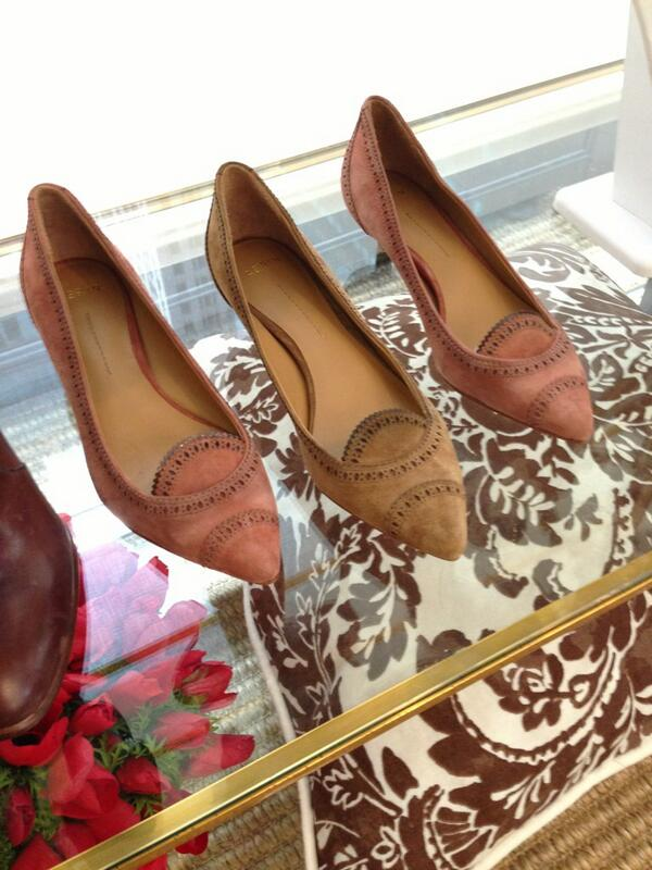 RT @WmagKarla: More kitten heels, for fall I love these new vintage inspired pieces by @aerin http://t.co/ElsGaNOcP5
