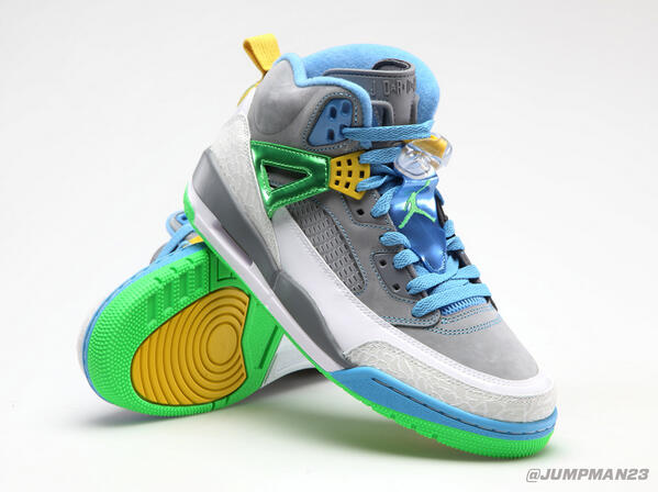 """Our Spiz'ike returns this Saturday with undeniably sick pops of """"Poison Green"""": http://t.co/PeW4chv7wH"""