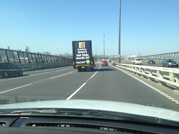 RT @RobertDart: @AEUVictoria Look who I saw on the Westgate Bridge today! #gonski http://t.co/i9xLht4WOu