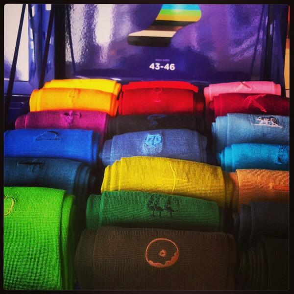 Vanaf nu verkrijgbaar bij #newtailor; langere #sokken #sieger #20 #kleuren #katoen http://t.co/pVVXYccBrx