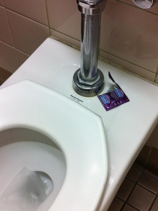 "Someone had a good time in the bathroom at work yesterday. So romantic. <a class=""linkify"" href=""http://t.co/9h0aYmEQN8"" rel=""nofollow"" target=""_blank"">http://t.co/9h0aYmEQN8</a>"