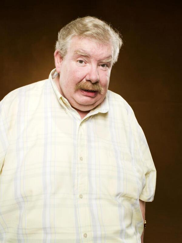 Raise your wands for Richard Griffiths, who left us today, and played Uncle Vernon's character flawlessly. http://t.co/no8ovfdcKE