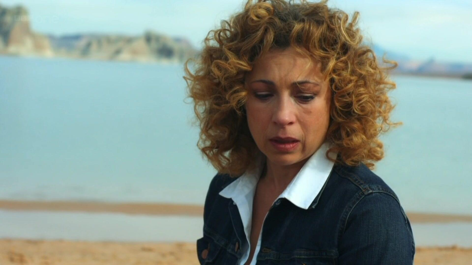 When she's sad she's still incredibly beautiful. </3 #DoctorWho http://t.co/dtyyCIKfrD