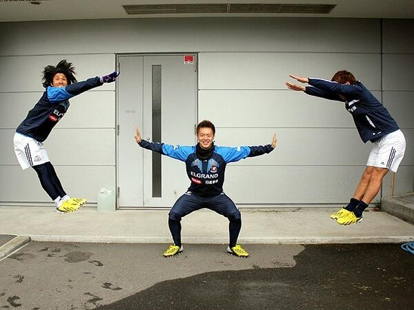 BGvEhzTCYAAswjp In Pictures: Two Japanese footballers reveal their energy attack superpowers on Twitter