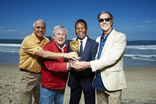 It's a wrap. Team photo with Pele, Robin and our Americas rep Chris Flannery http://t.co/d596WvJyGx