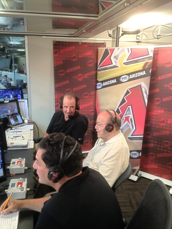 Joe Garagiola, Sr. getting ready to sign off for the final time with Bob Brenly and @BertDbacks. #ThankYouJoeG http://t.co/Bc7GKI4sk2