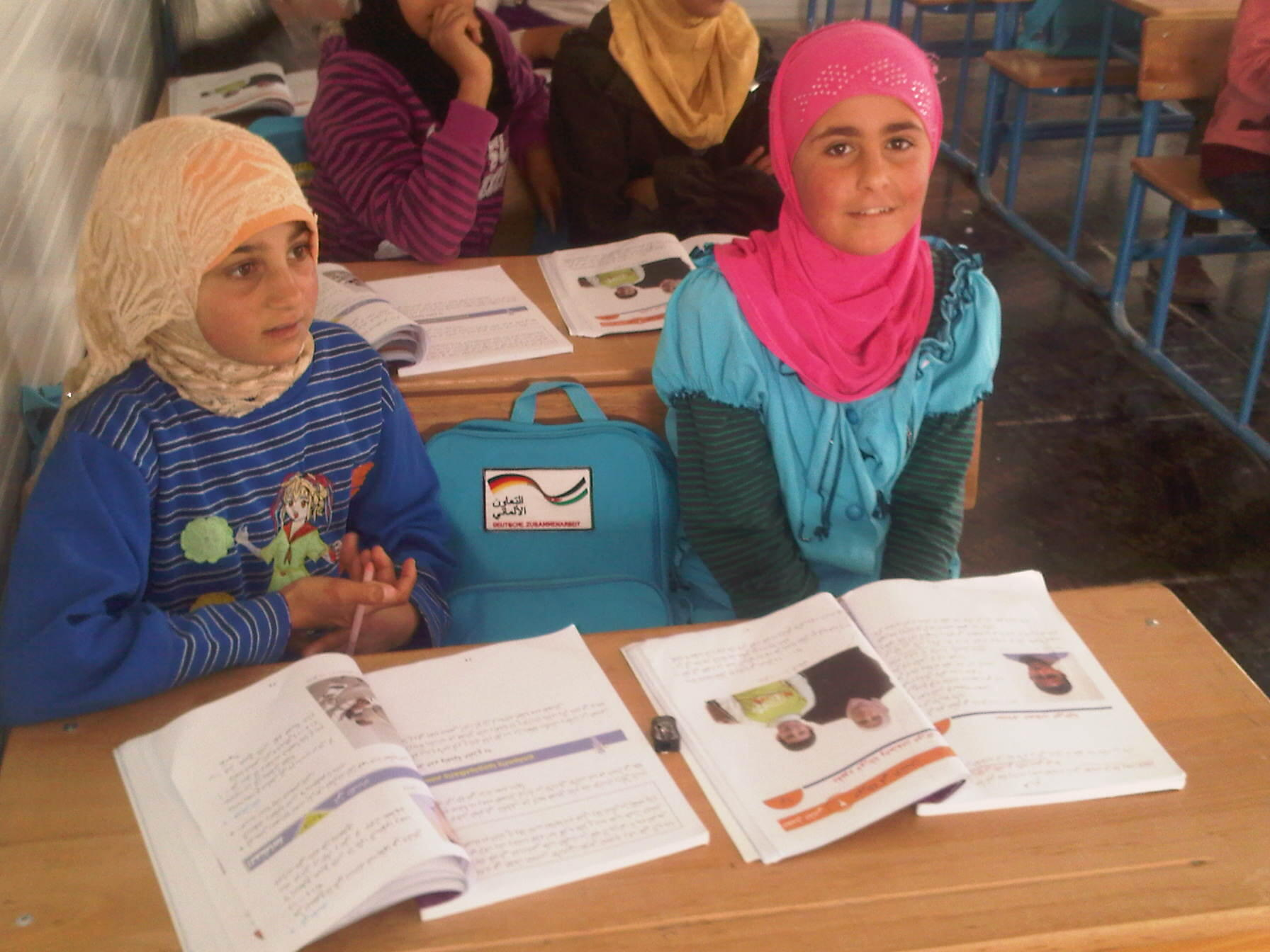 'I love school &want to be a doctor to help my people', 11yr old #Syria girl living in #Zaatari camp #childrenofsyria http://t.co/aiagExrbF9