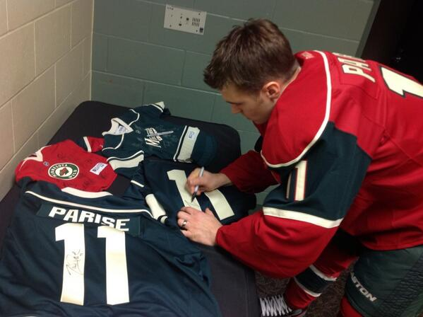 Who wants this Zach Parise autographed #mnwild jersey?  #WildHotline is after 2nd @KFAN1003 so send ?'s to @PONDcast http://t.co/11fnaqwfPD